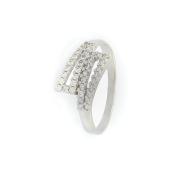 Zlatý dámský prsten posetý zirkony, velikost 57