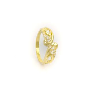 Ozdobný zlatý prsten s bílými kameny