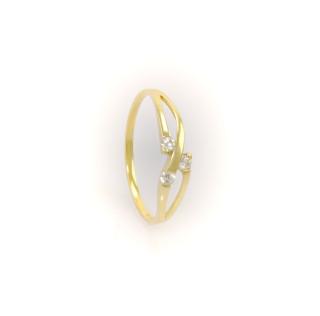 Zlatý prsten s bílými kameny