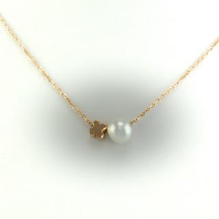 Náhrdelník s perlou a čtyřlístkem